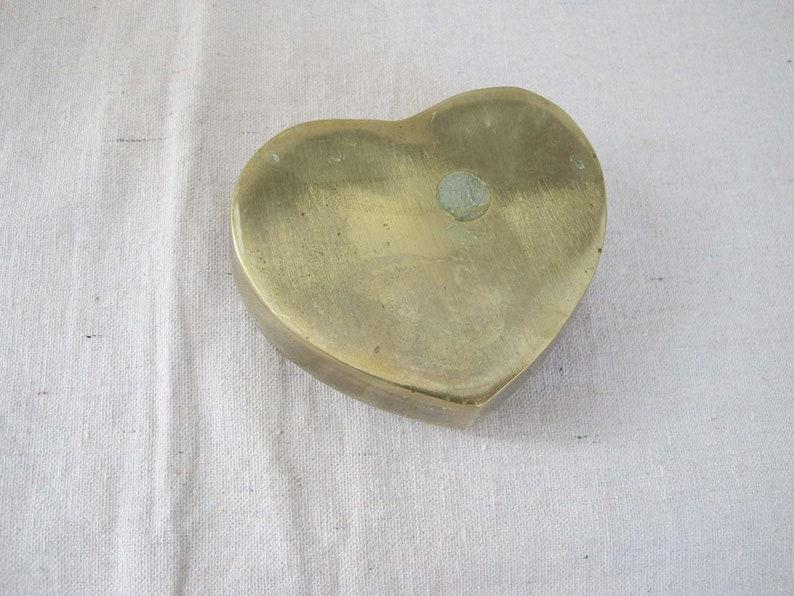 Vanity Tabletop Decor Lidded Brass Ring Box Heart Shaped Box Vintage Gold Brass Heart Jewelry Box Hollywood Regency
