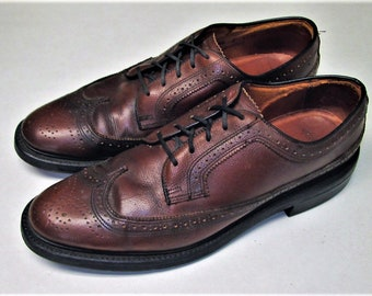 ef507d935f3cd Vintage JC PENNEY Mens Size 8.5 C Tan Wingtip Oxford Dress Shoes. English  Tan color laceup brogues. Made in USA!