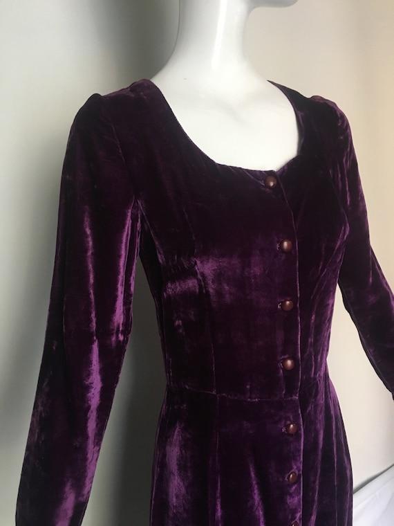 XS Purple Velvet Midi Dress by India Imports of Rh