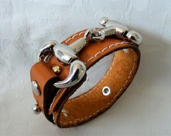 Mens leather bracelet, metal, bite horse