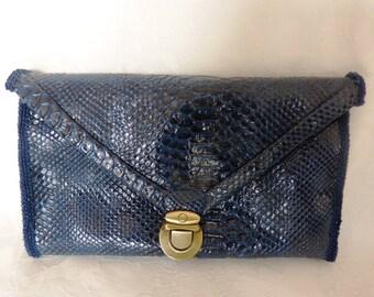 bag fai leather clutch, very beautiful buckle satchel