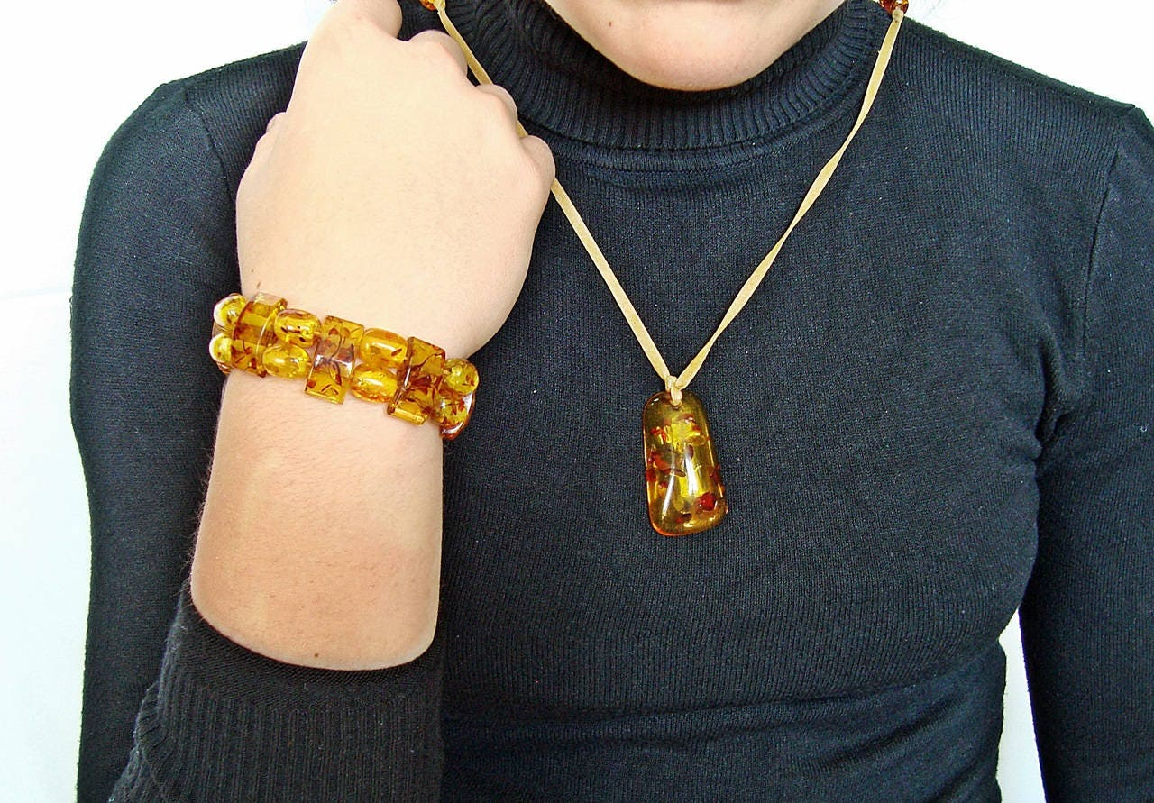 Vintage Amber Lucite Bracelet And Pendant Fossil Beads