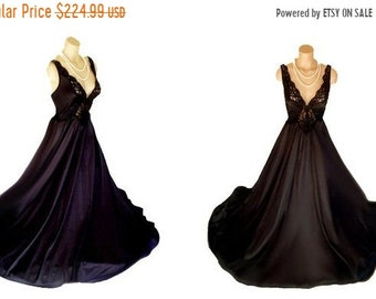 c9ca3dc970 AFTER CHRISTMAS SALE Vintage Olga Spandex Nightgown Rare designer nightgown  lace nightgown Onyx nightgown black nightgown 70s nightgown span