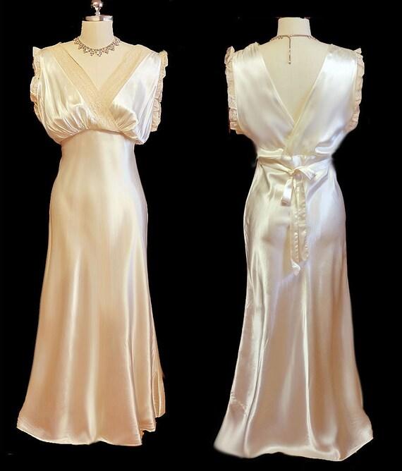 Glamorous Vintage 30s 40s Ivory Satin Ecru Lace Bi