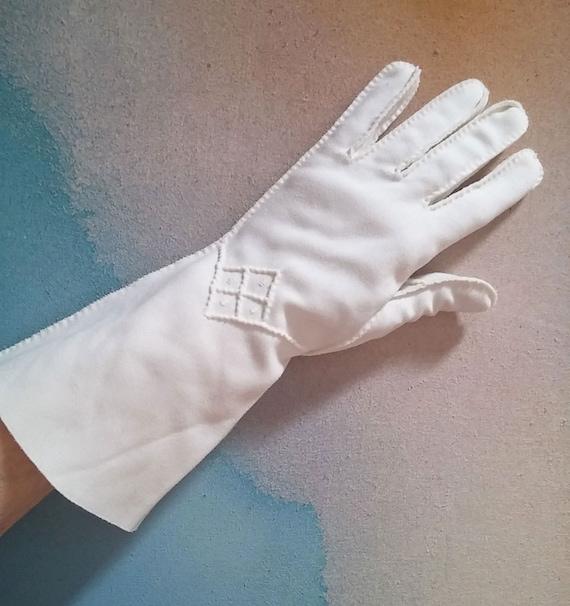Vintage Long White Cotton Formal Wedding Gauntlet