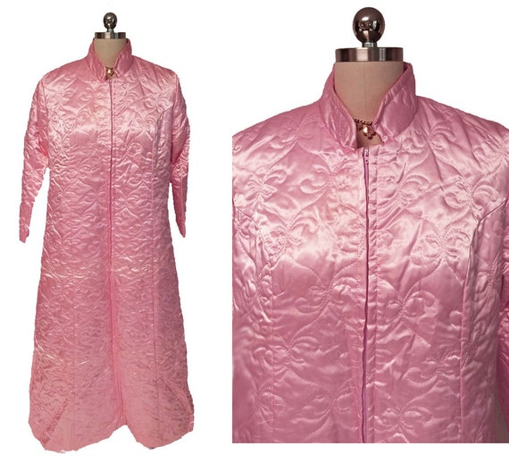 SALE Vintage Fleischman Quilted Satin Robe in Pari