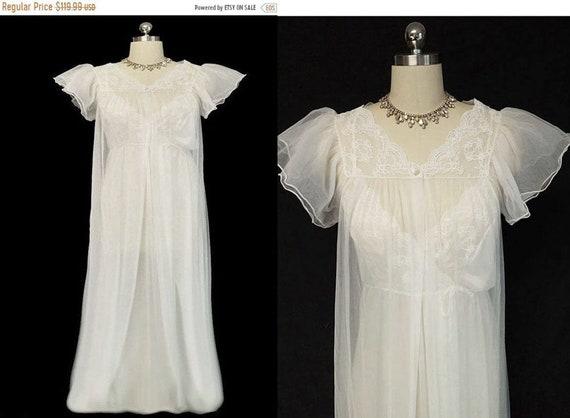 AUGUST SALE Vintage Gilead Bridal Peignoir   nightgown Set c0eb7bedd