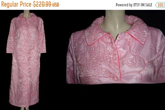 CLEARANCE SALE Vintage Neusteters Quilted Pink Rob