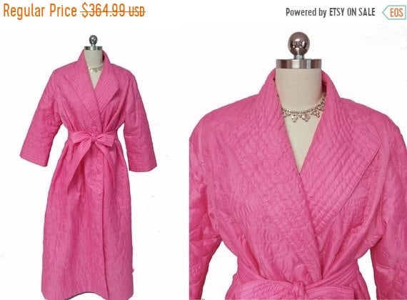 CLEARANCE SALE Vintage 60s 70s Quilted Robe Made i