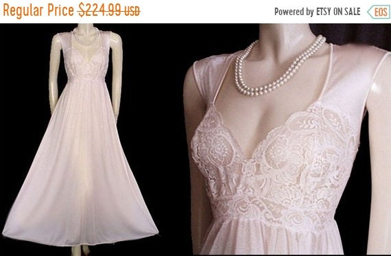 AFTER CHRISTMAS SALE Vintage Rare Style Olga Nightgown Xl  3ea82e510