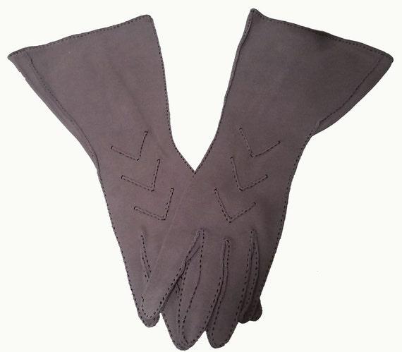 Vintage Sophisticated Gauntlet Gloves Hand Stitchi