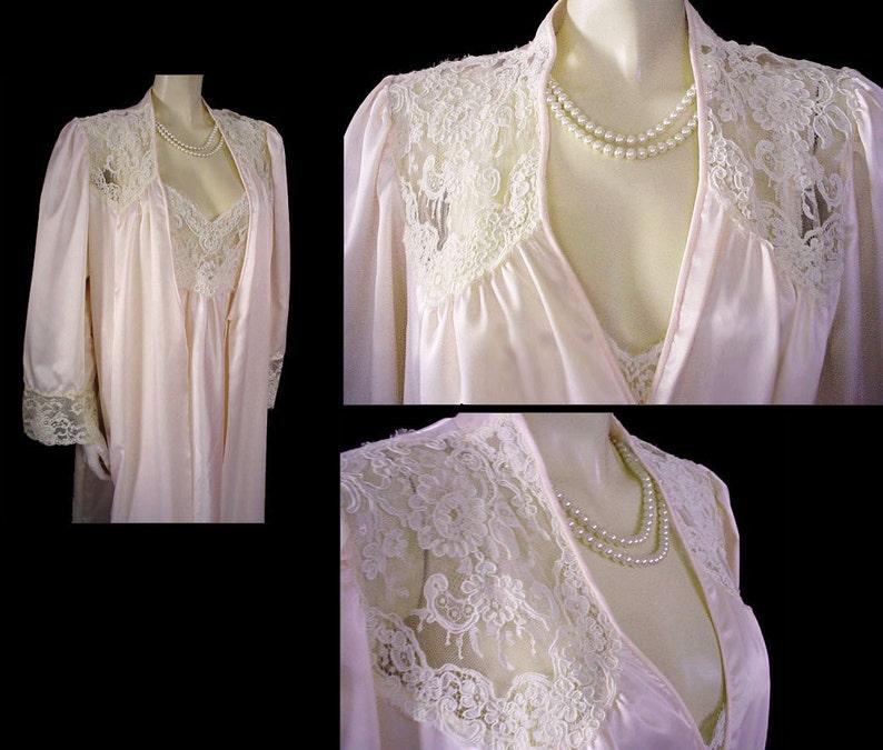 d1d4418834c Vintage Donna Richard Satin Peignoir   Nightgown Set Sugar