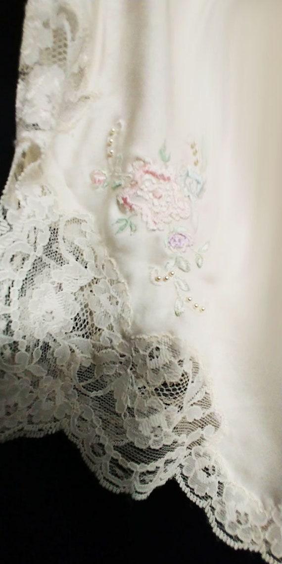Gorgeous Vintage Sara Beth Bridal Satin Like Pant… - image 4