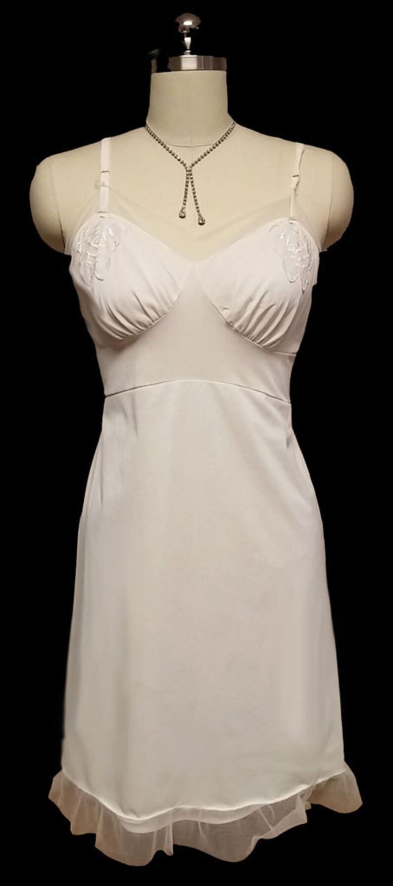 Vintage Slip Embroidered Roses Appliques Bridal slip vintage slip white slip designer slip 50s slip 60s slip nylon slip tulle slip