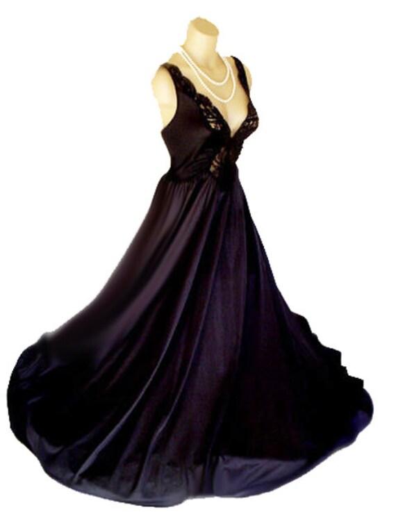 CLEARANCE SALE Vintage Olga Spandex Nightgown Rar… - image 2