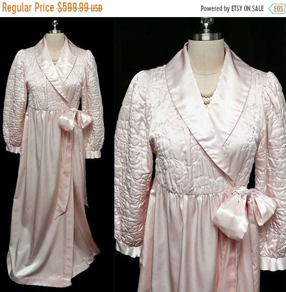 CLEARANCE SALE Glamorous Vintage Komar Quilted Gle