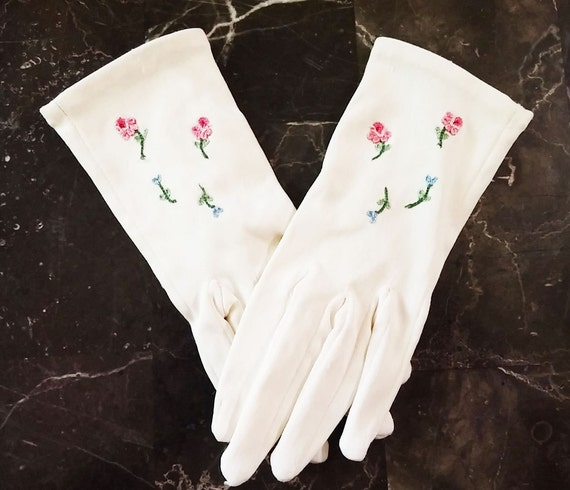 Vintage 50s 60s Childs Embroidered Roses Gloves 50
