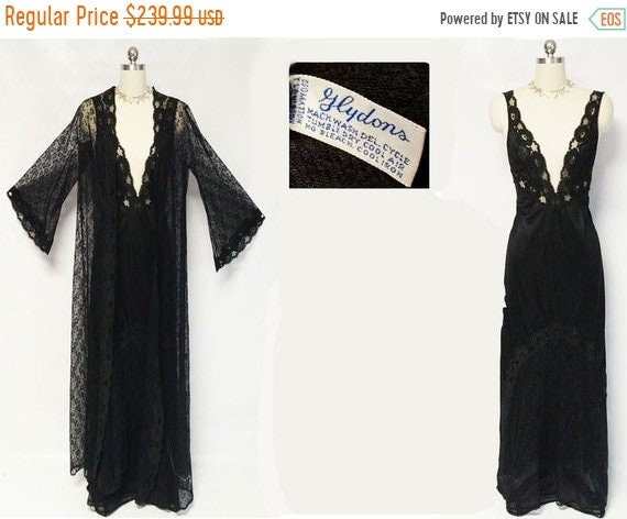 CLEARANCE SALE Vintage Glydons Black Lace Peignoir