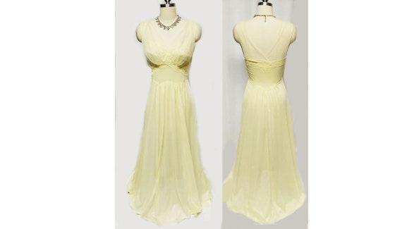 Vintage Vanity Fair Bridal Exquisite Lace Nylon Tr