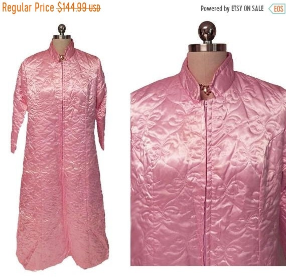 CLEARANCE SALE Vintage Fleischman Quilted Satin Ro