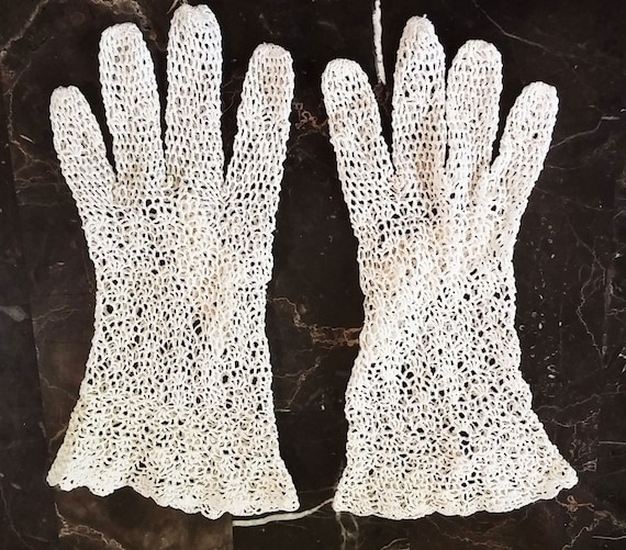 Vintage 50s 60s Lacey Crocheted Gloves hand made 5