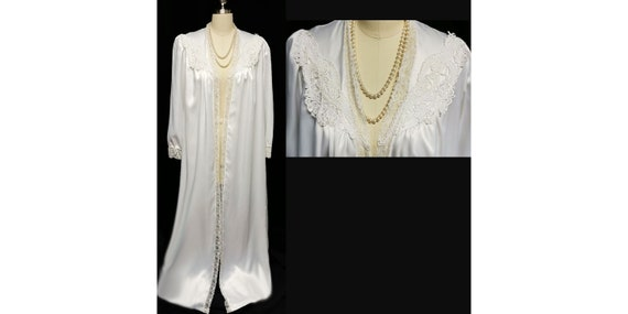 CLEARANCE SALE Vintage Bridal Donna Richard Luscio