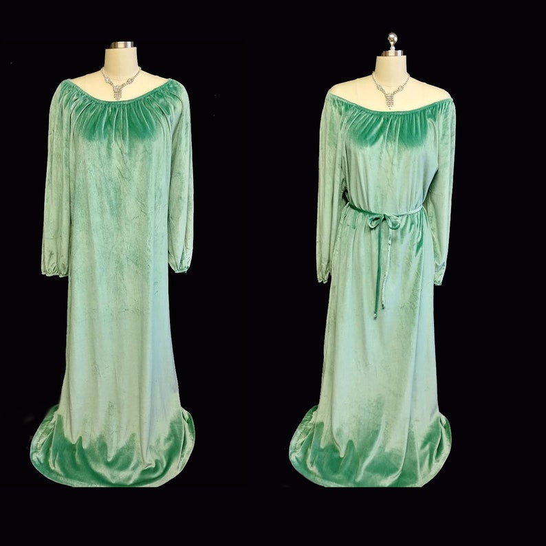 Vintage Jolie Two Velour Dressing Gown Nightgown Lounge Wear  66032537d