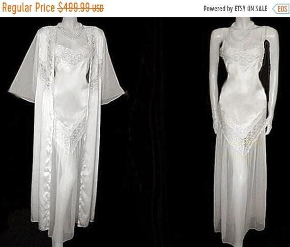 HOLIDAYSALE2020 Vintage Bridal Trousseau Ivory Sat