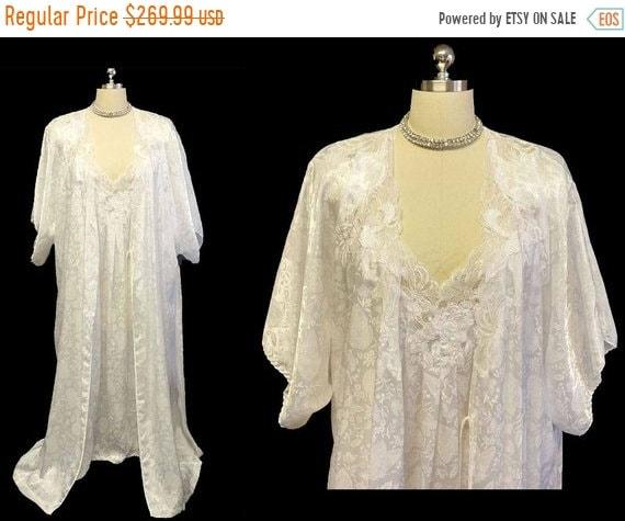 AFTER CHRISTMAS SALE Vintage Bridal Set Natori Neiman Marcus  5b761441d