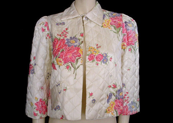 Vintage 40s Floral Rayon Satin Quilted Bed Jacket