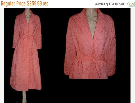 SUMMER SALE Vintage Quilted Robe Made in Hong Kong in Sierra 2e139b4e0