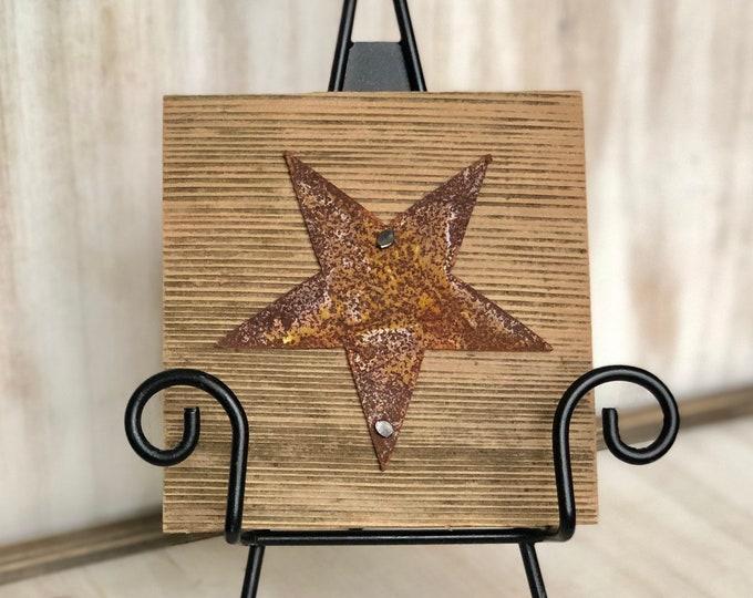 "Rusty Metal ""STAR"" on Rustic Reclaimed Cedar Wood - Ready to Hang - Primitive Farmhouse Sign"