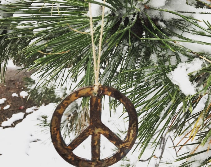 "Single or Set of 3...Rusty Metal PEACE Ornament(s) - Rustic - 4"" tall"