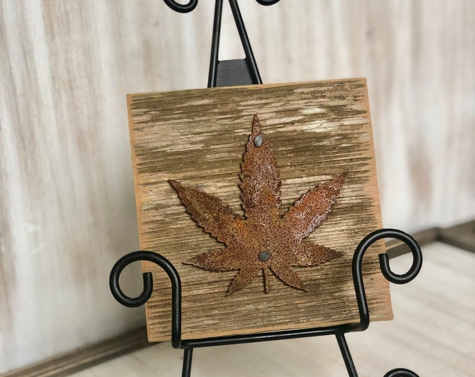 "Rusty Metal ""MMJ LEAF"" on Rustic Reclaimed Cedar Wood - Ready to Hang - Primitive Farmhouse Sign"