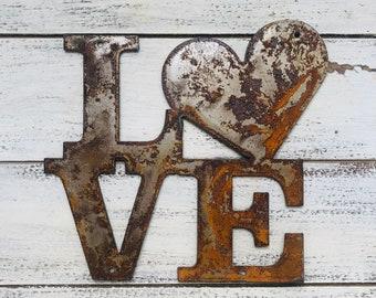 "Love - 18"" Rusty Metal Heart Sign"