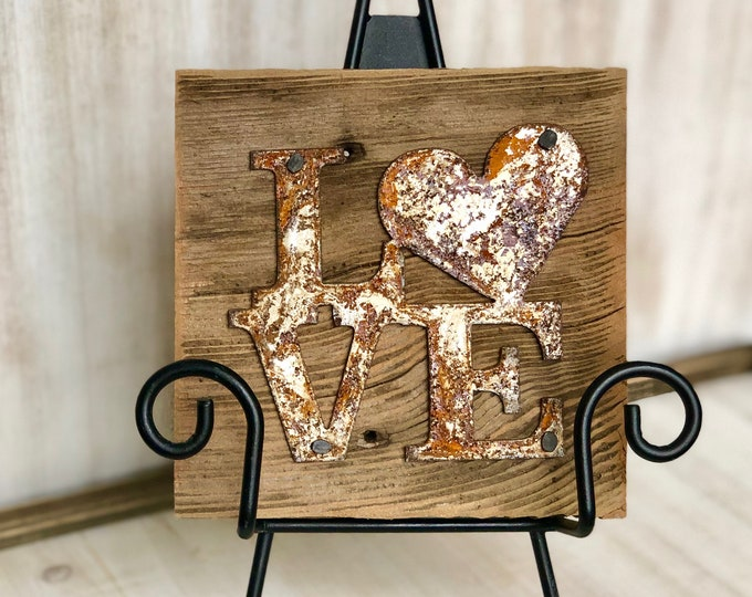 "Rusty Metal ""LOVE Heart"" on Rustic Reclaimed Cedar Wood - Ready to Hang - Primitive Farmhouse Sign"