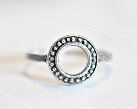 Sterling silver circle ring, rings for women, dotted circle, open circle, halo ring, girlfriend gift, statement ring, geometric, modern ring