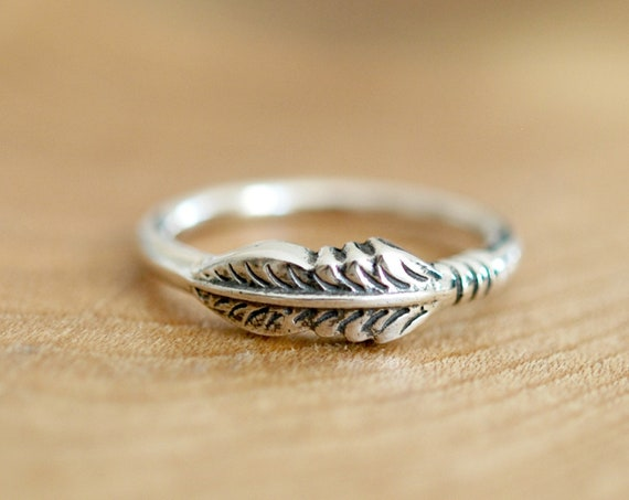 Silver feather ring, sterling silver stacking rings for women, bohemian ring, trendy gift, sideways feather jewelry, banded feather