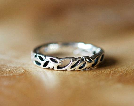 Sterling silver leaf ring, marquis ring, geometric silver band, leaves ring, modern ring, minimalist band, simple stacking rings for women
