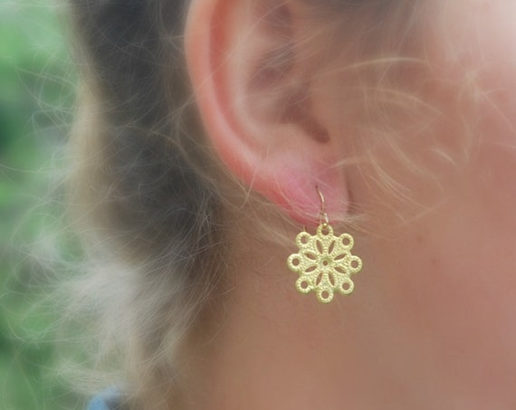 Gold flower earrings, gold earrings, stocking stuffer, gift for her, flower jewelry, brass floral earrings, flower girl boho jewelry