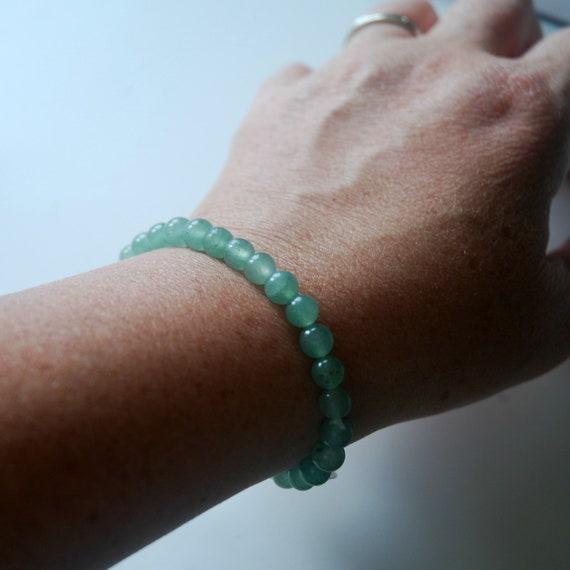 Green aventurine bracelet, 6mm or 8mm green gemstone bracelet, beaded bracelet, bohemian jewelry, green bracelet, harmonizing jewelry