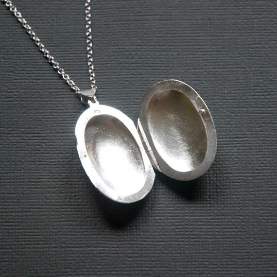 Silver locket necklace, engravable locket, personalized gift, sterling silver, large oval locket pendant, simple locket, keepsake jewelry
