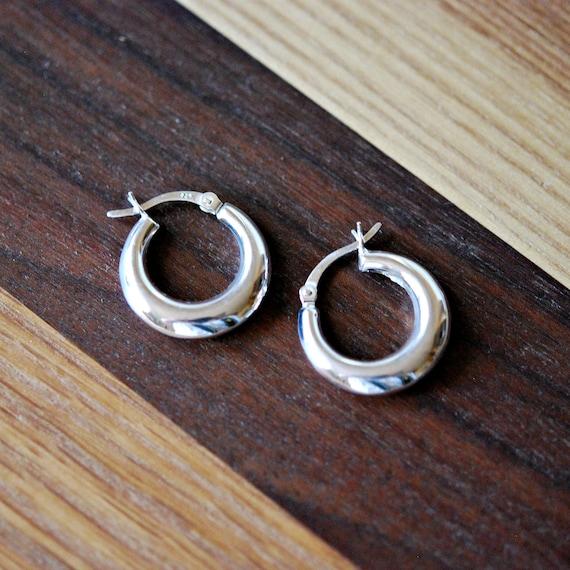 Sterling silver hoop earrings, puffy hoops, silver huggie hoops, geometric earring, modern jewelry, minimalist hoops, trendy huggie earrings