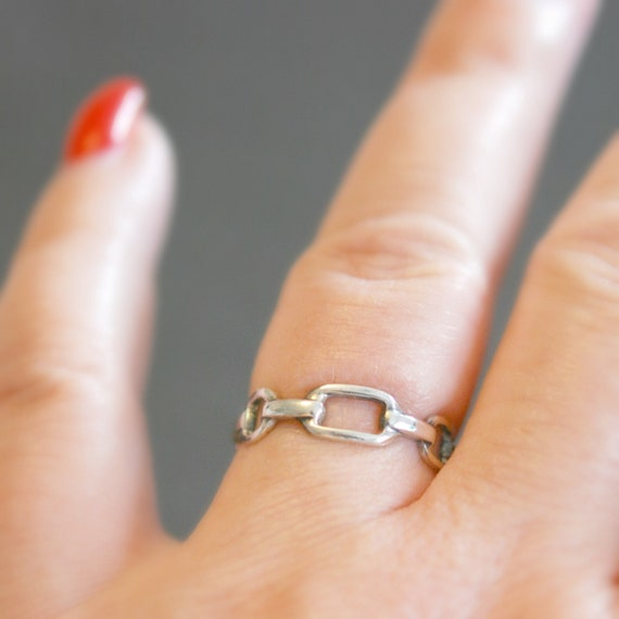 Sterling silver chain link ring, chain ring, geometric silver band, links ring, modern ring, minimalist ring, simple stacking ring for women