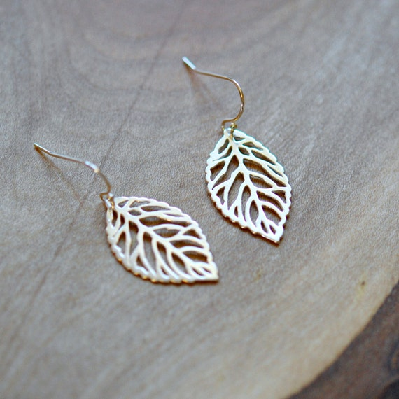 Sterling silver leaf earrings, 925 silver, nature inspired, autumn jewelry, botanical jewelry, leaf jewelry, simple dangle earrings