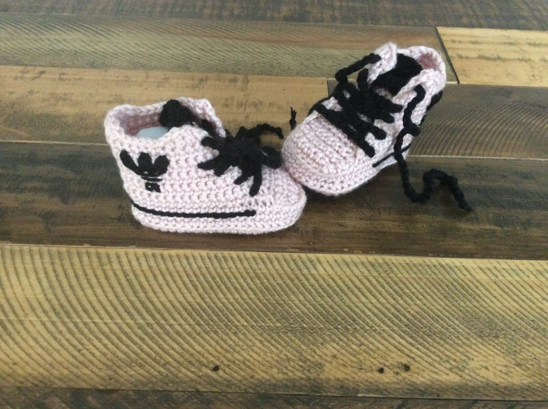 0b99ee352e3e1 Crochet Baby shoes Baby sneakers Baby booties Yeezy boost sply
