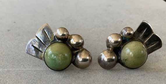 Vintage ESTATE Mexican Sterling Earrings Green Sto