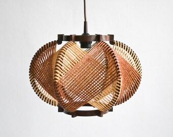 RESERVED Rustic 60s sisal lamp, vintage hemp rope lamp, string lamp, 60s pendant lamp