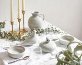 White centerpiece ceramic set with dove KMK