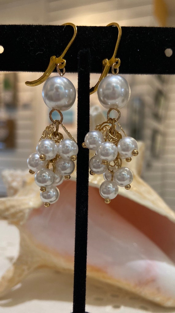 Pearls assemblage Earrings ,  Brass waves Stamping, Glass pearls, Gold plated hooks, OOAK